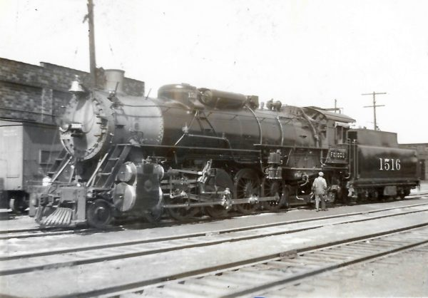 4-8-2 1516 at St. Louis, Missouri on September 21, 1938