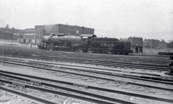 4-8-2 1525 at St. Louis, Missouri on July 5, 1938