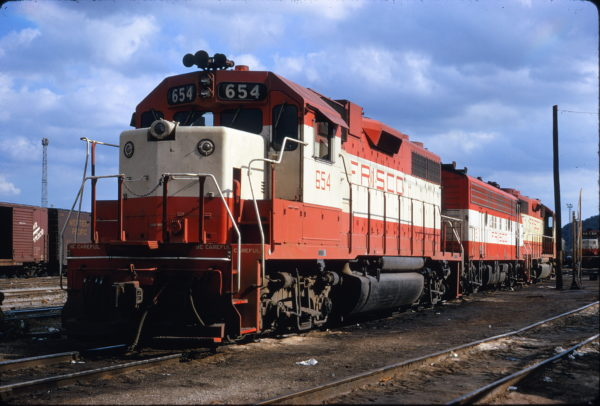 GP38AC 654 at Tulsa, Oklahoma on July 13, 1972 (James Claflin)