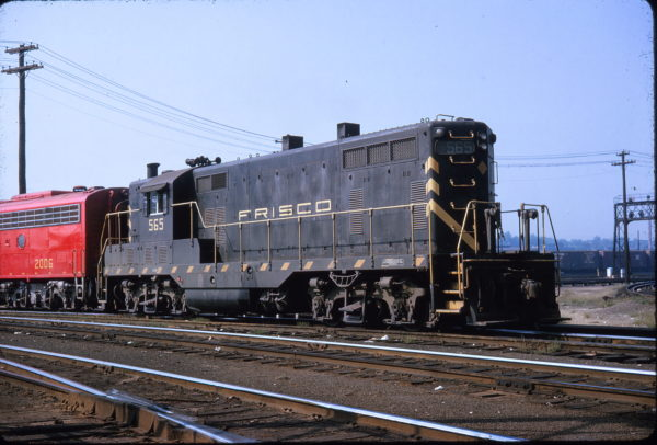 GP7 565 at Union Station, St. Louis, Missouri in September 1963
