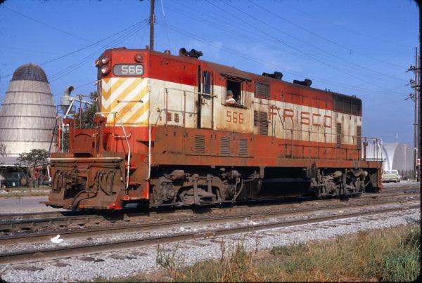 GP7 566 at Mobile, Alabama in October 1972 (David Hamley)