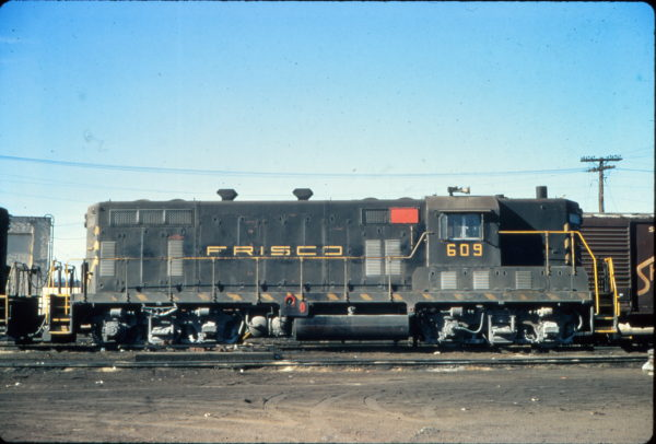GP7 609 at Birmingham, Alabama in January 1971 (Vernon Ryder)