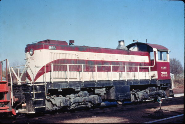 S-2 295 at Springfield, Missouri on November 15, 1970 (Charly's Slides)