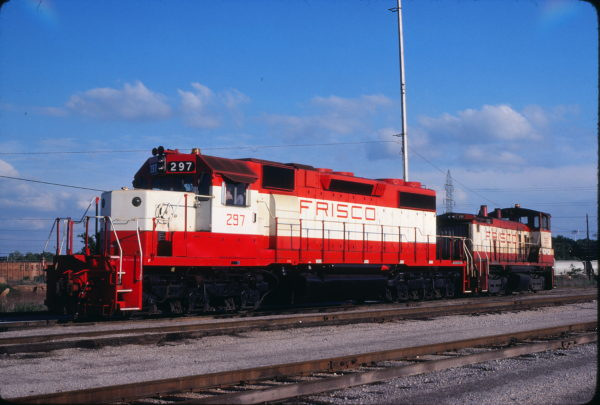 SD38-2 297 and SW1500 356 at Tulsa, Oklahoma on May 18, 1980 (John Benson)