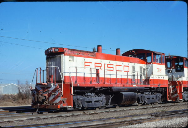 SW1500 318 at Memphis, Tennessee in January 1981 (Lon Coone)