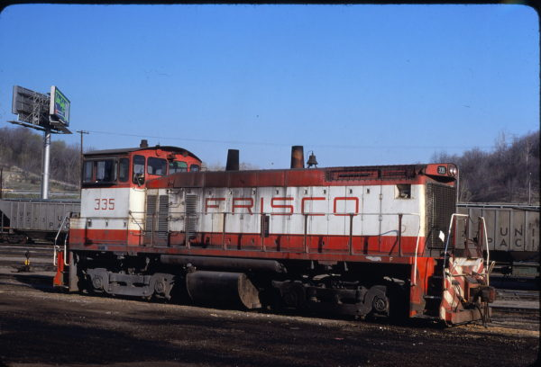 SW1500 335 at Kansas City, Missouri on April 19, 1980 (John Benson)