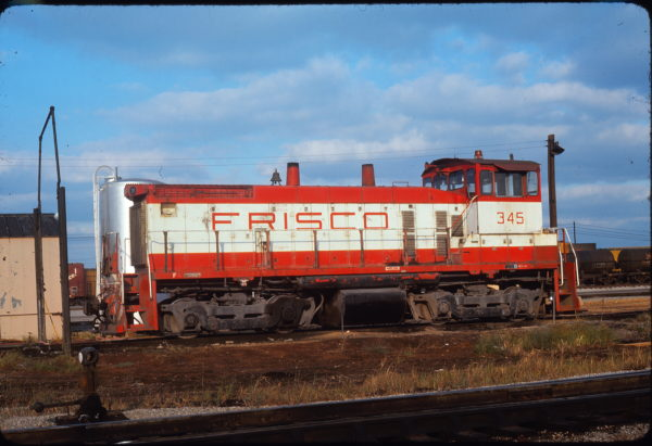 SW1500 345 at Memphis, Tennessee on October 6, 1976 (J. Harlan Wilson)