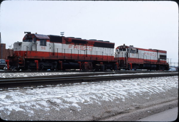 SD45 916 and U30B 861 at Springfield, Missouri on January 5, 1980