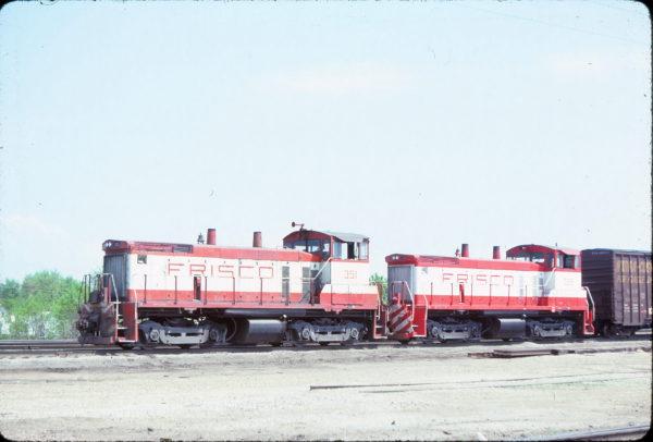 SW1500s 351 and 328 at Springfield, Missouri on May 4, 1980 (Richard Adams)