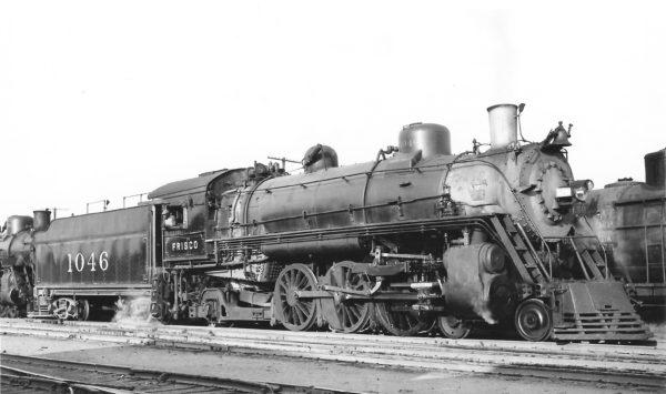 4-6-2 1046 at Tulsa, Oklahoma on September 24, 1948 (Arthur B. Johnson)