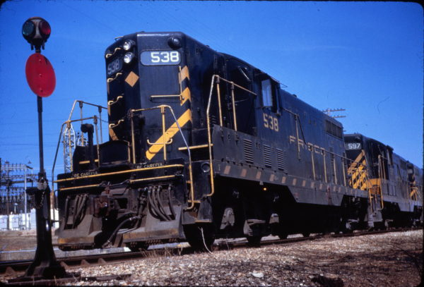 GP7 538 at Fayetteville, Arkansas on March 14, 1963