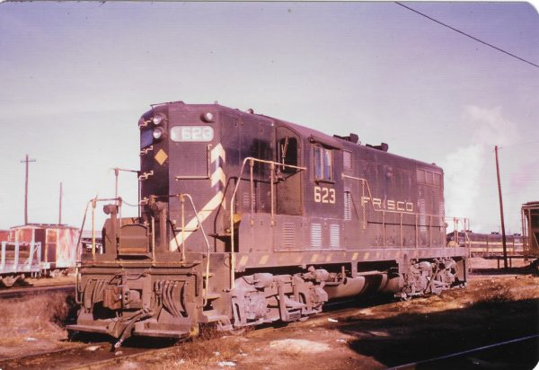 GP7 623 at Fort Worth, Texas in November 1964