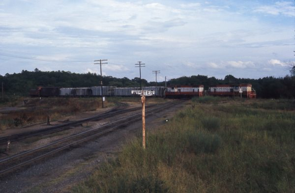 GP7s 587 and 601 at Wister, Oklahoma in October 1974