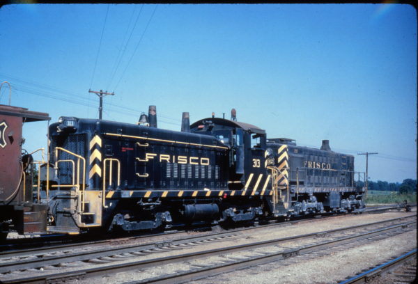 SW9 313 and S-2 292 at Memphis, Tennessee in July 1962 (Al Chione)