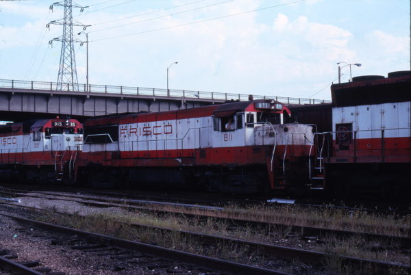 U25B 811 and SD45 915 at St. Louis, Missouri on September 16 1978