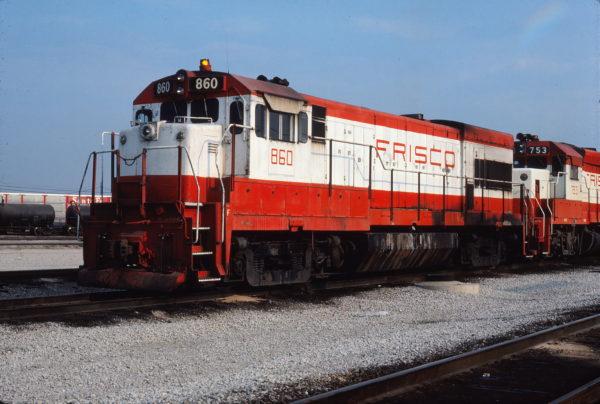 U30B 860 at Tulsa, Oklahoma on July 14, 1980 (Gene Gant)