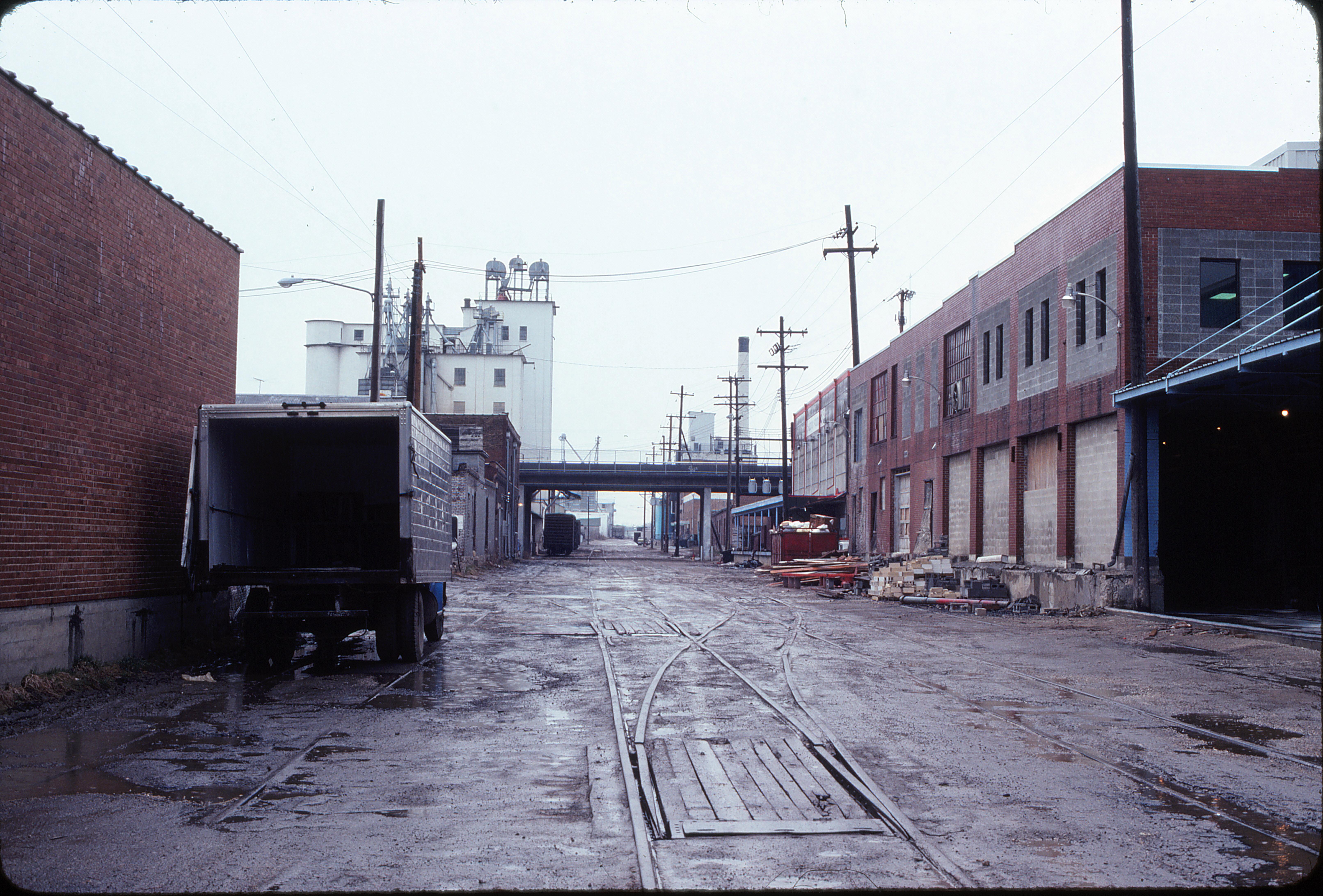 Around the tracks at Springfield, Missouri in March 1980 (Ken McElreath)