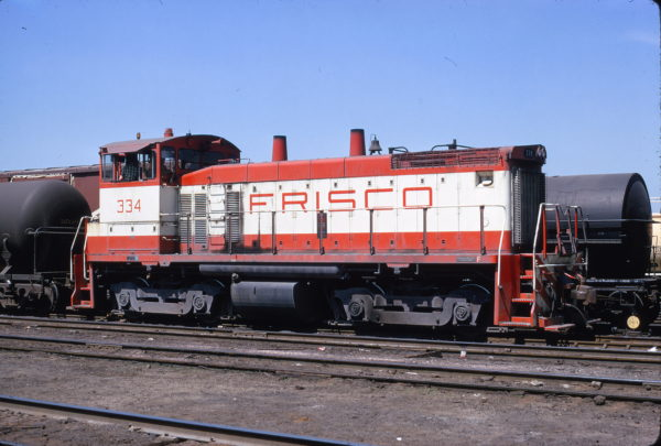 SW1500 334 at Kansas City in May 1973 (Lee Berglund)