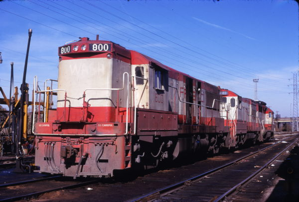 U25B 800 at St. Louis, Missouri on November 10, 1973
