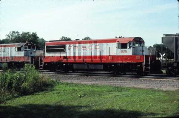 U25B 825 at Topeka, Kansas on August 10, 1972 (or 1979) (Dan Warren)