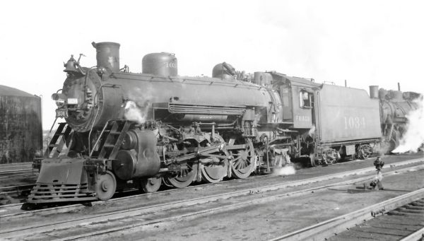 4-6-2 1034 at Springfield, Missouri on December 30, 1948 (Arthur B. Johnson)