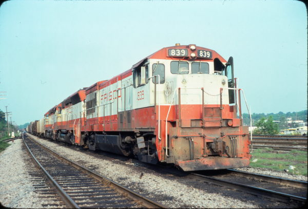 U30B 839 (location unknown) in May 1978
