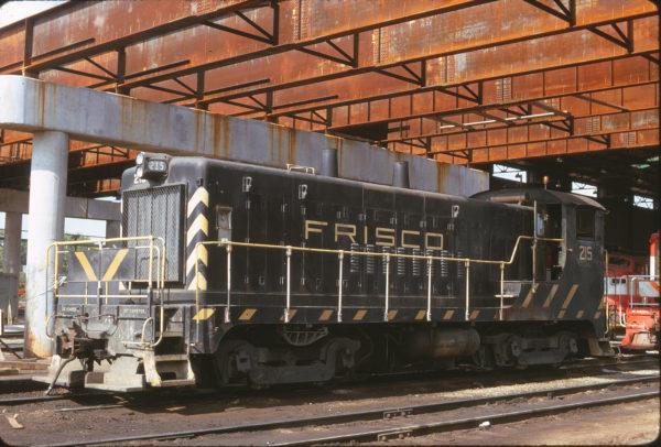 VO-1000m 215 at Springfield, Missouri in June 1970 (Mac Owen)