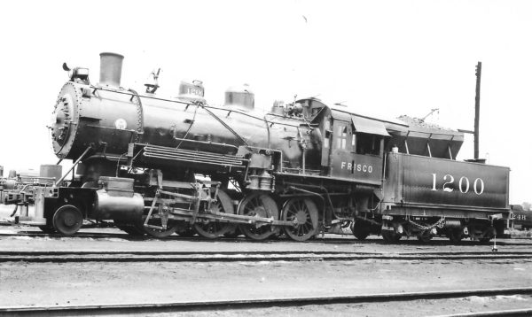 2-8-0 1200 at Memphis, Tennessee on June 2, 1940 (Arthur B. Johnson)