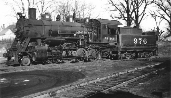 2-8-0 976 at Springfield, Missouri on November 29, 1947 (Arthur B. Johnson)