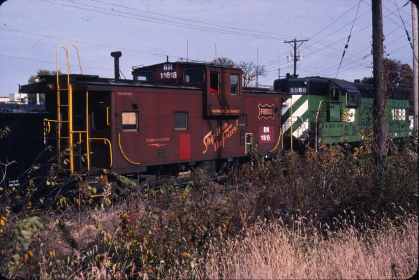 Caboose 11618 (Frisco 1290) at Clinton, Iowa in September 1982 (Ken McElreath)