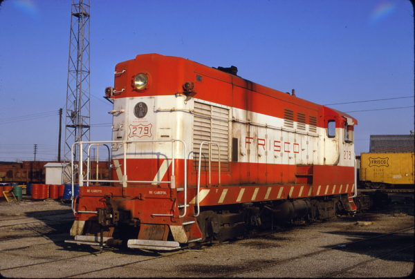 H-10-44 279 at Tulsa, Oklahoma in February 1973 (Mac Owen)