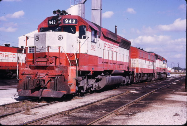 SD45 942 at Oklahoma City, Oklahoma in October 1973