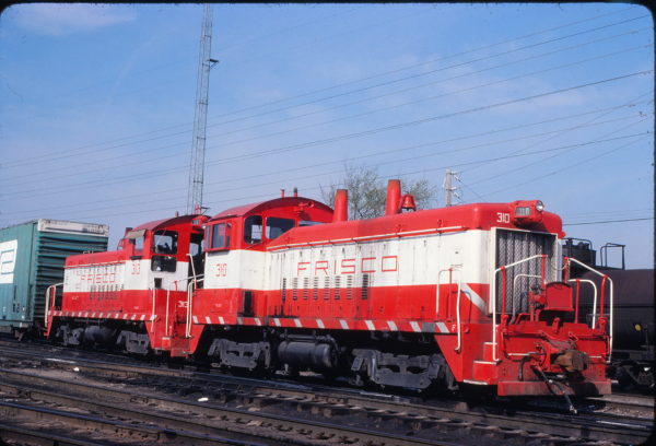 SW9s 310 and 313 at St. Louis, Missouri on April 20, 1980 (John Benson)