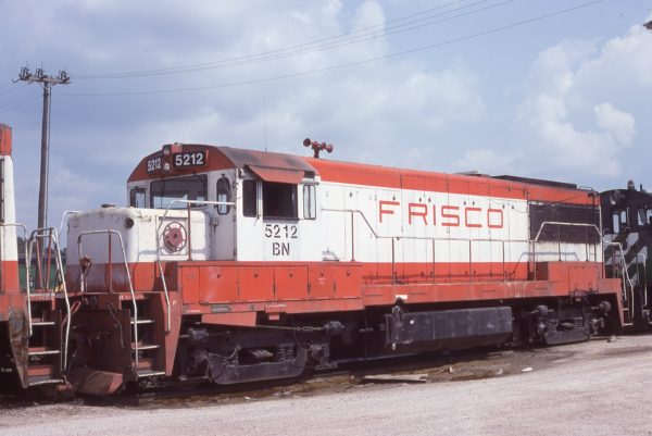 U25B 5212 (Frisco 810) at Springfield, Missouri on September 16, 1981 (J.B. Holder)