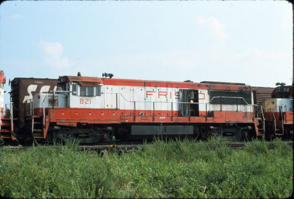 U25B 821 at Hamlet, North Carolina on July 29, 1975 (McMann)