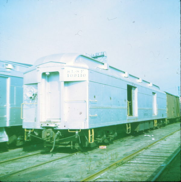 109110 at Crystal City, Missouri in 1971 (Ken McElreath)