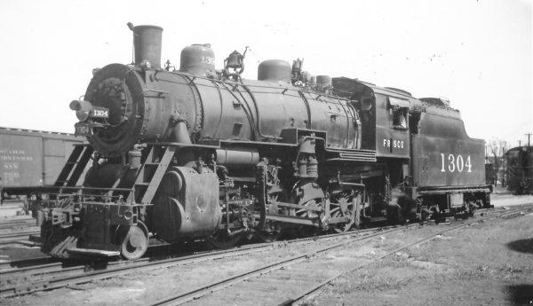 2-8-0 1304 at Springfield, Missouri on September 25, 1948 (Arthur B. Johnson)