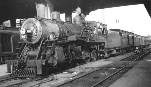 4-6-2 1014 with Train #20 at Springfield, Missouri on October 15, 1949 (Arthur B. Johnson)