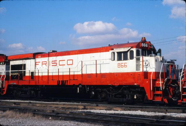 B30-7 866 at Memphis, Tennessee on December 6, 1980 (David Johnston)
