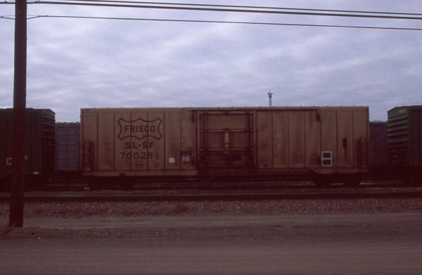 Boxcar 700281 at Pasco, Washington on January 27, 1997 (R.R. Taylor)