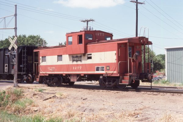 Caboose 1277 at Irving, Texas on August 19, 1980 (John Nixon)
