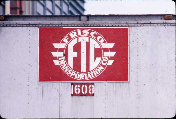 Frisco Transportation Company Emblem at Mountain Grove, Missouri in September 1982 (Ken McElreath)