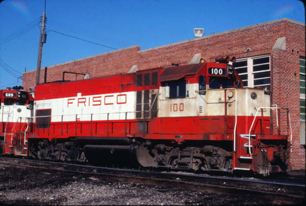 GP15-1 100 at Fort Smith, Arkansas in May 1980 (John Benson)