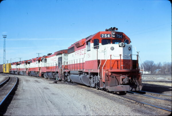 GP40-2 754 at Springfield, Missouri on January 26, 1981