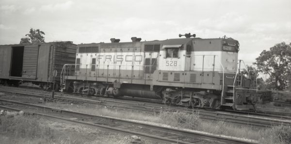 GP7 528 at Clinton, Missouri on June 24, 1977