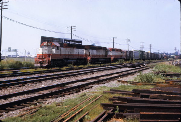 SD45 923 and 919 Memphis, TN in September 1973