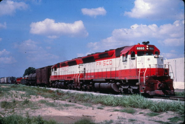 SD45s 6693 (Frisco 945) and 6695 (Frisco 947) (date and location unknown) (Al Chione)