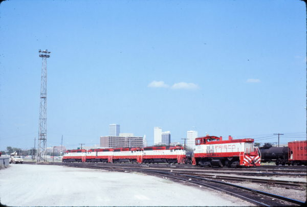 SW1500 360, SD45 946, GP40-2 751, SD45 937 and SD40-2 956 at Tulsa, Oklahoma in October 1980