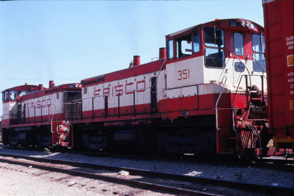 SW1500s 348 and 351 at Springfield, Missouri in September 1978