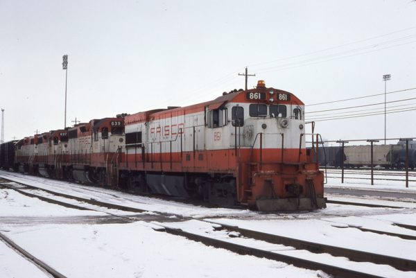 U30B 861 and GP38ACs 639 and 637 at Memphis, Tennessee on February 7, 1979 (G.J. Sommers)